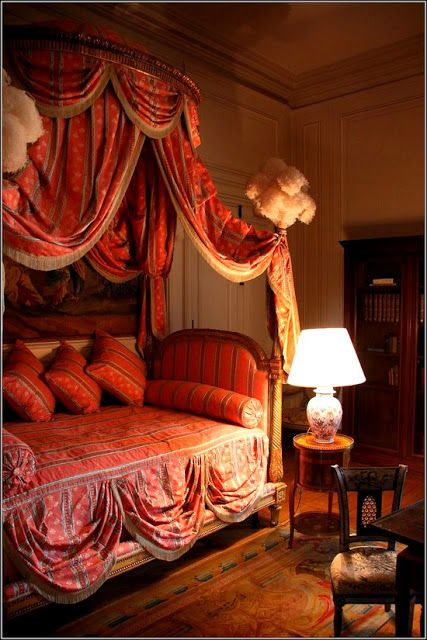 Eye For Design: The Lit à la Polonaise.....Elaborate And Romantic Beds