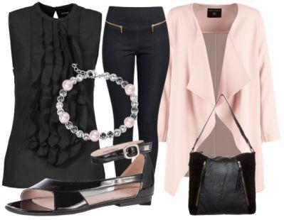 trs belle cette tenue du jour avec son petit haut noir tendance et sa veste rose