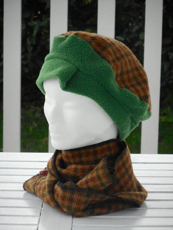 Bonnet chapeau béret et écharpe laine carreaux  femme