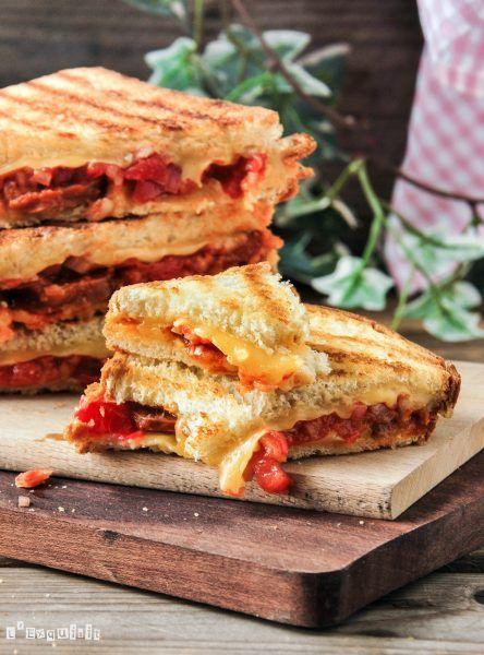 Sandwich de chorizo y queso