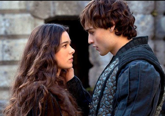 Hailee Steinfeld and Douglas Booth in Romeo and Juliet (2013)