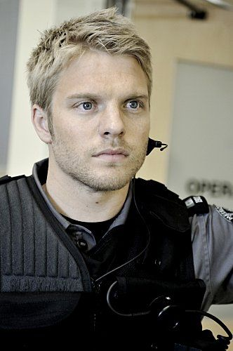 David Paetkau in Flashpoint...if he were just a *bit* younger?  PERFECT Peeta Melark