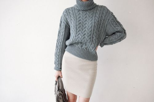 大人っぽくも可愛くもありたいリブタイトスカートのおすすめコーデ