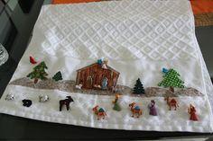 LABORES DE LILIANA: Toalla de Navidad decorada con Botones