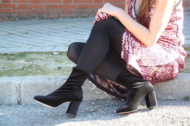 Nueva propuesta de estilo en el blog de Lolita Blu  Botín de terciopelo con tacón ancho ¡ Extraordinariamente cómodo ¡