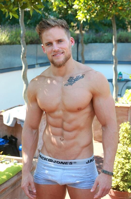 4215 Best Hunks Images On Pinterest  Sexy Men, Sexy Guys -5424