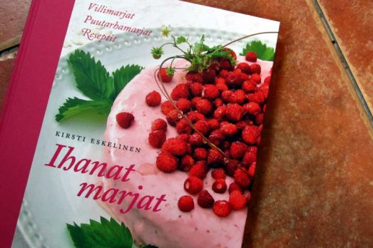 Cookbook about lovely berries!