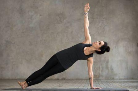 Exercices de Yoga: 10 Poses Pour des Abdos Bien Fermes ...