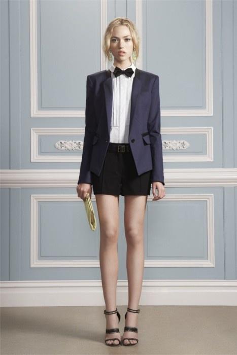 I love this gender neutral looks! Classic yet feminine!