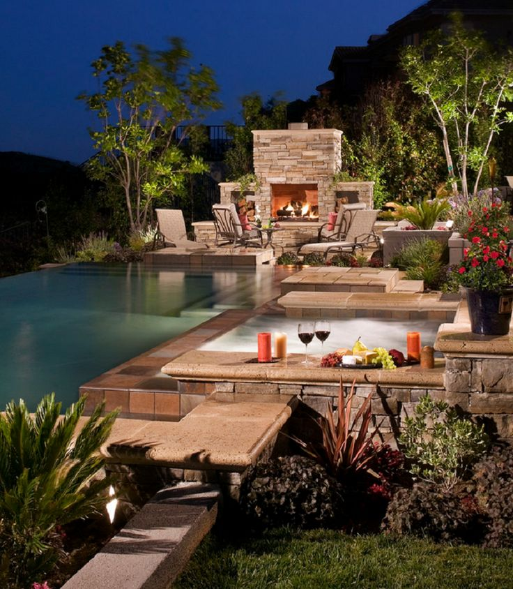 Traditional Pool Design in Los Angeles