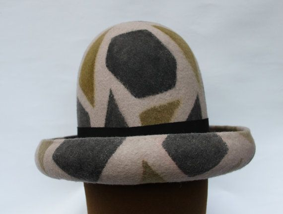 For sale - Rockers Uptown Hat ----- Reggae Beaver Hat ------ Hat from the Album cover The Essential by Gregory Isaacs thewickedfairy@gmail.com Ask a Question £300.00