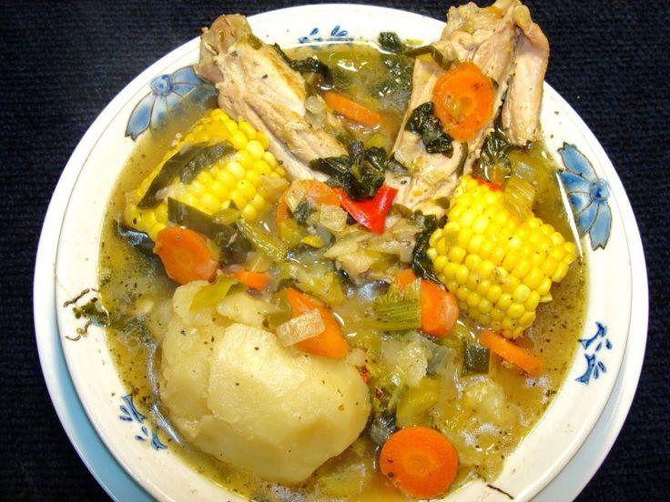 La típica cazuela chilena es un plato que se puede preparar de diversas formas, usando la imaginación y con diferentes ingredientes. En esta oportunidad te mostramos como cocinar una cazuela de pavo.