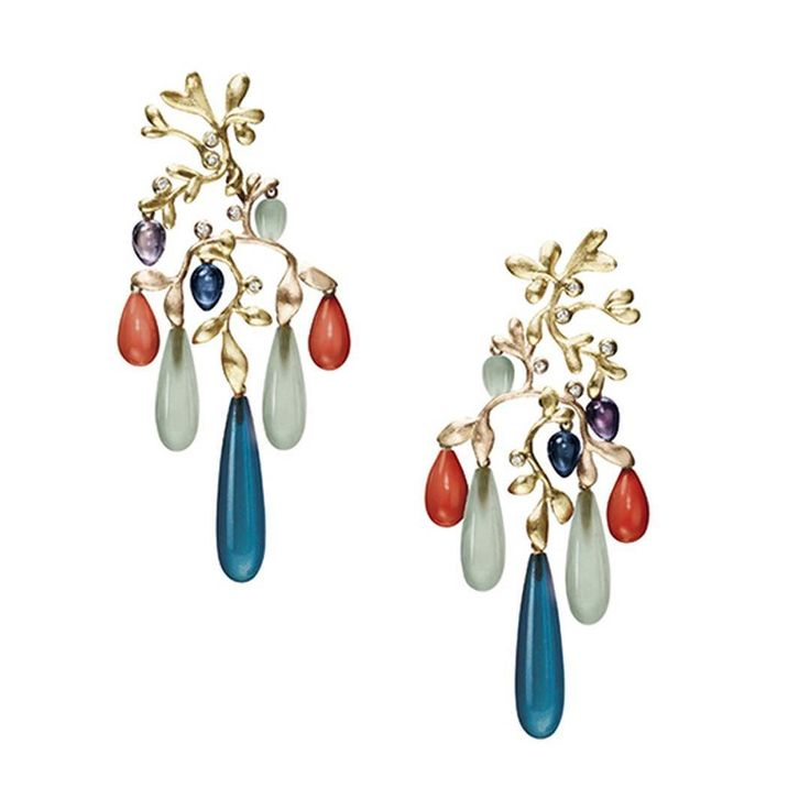 Earrings by Ole Lynggaard from the Gipsy collection  in yellow and rose gold with drops of London blue topaz coral aquamarine and amethyst with small diamonds. See in Trewarne. __________  Pendientes de Ole Lynggaard de la colección Gipsy  en oro amarillo y rosa con gotas de topacio azul London coral aguamarina y amatista con pequeños diamantes. Vistos en Trewarne. __________  #DeJoyaEnJoya #FromJewelToJewel #JeweleyBlog #OleLynggaard #trewarne #gipsy #earrings #pendientes #InstaEarrings…