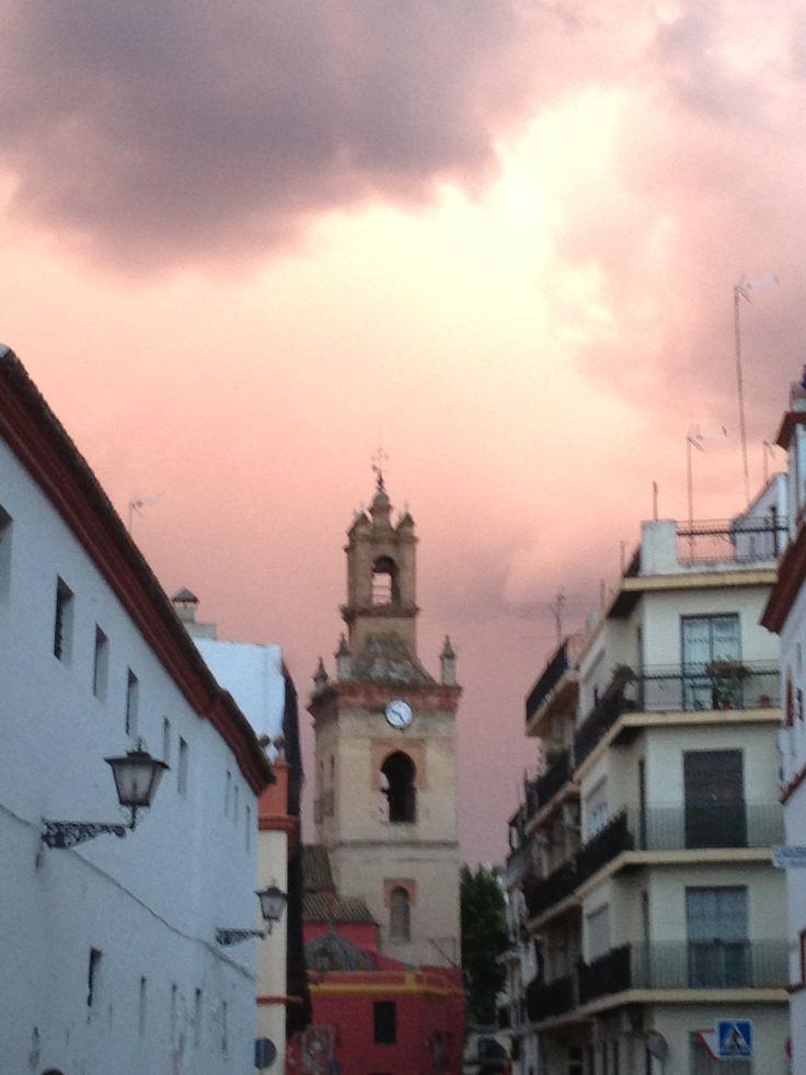Atardecer extraño en Sevilla...
