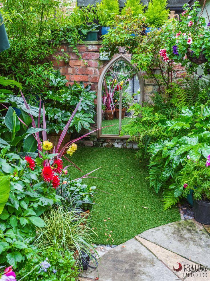 Garden Mirror, False grass.