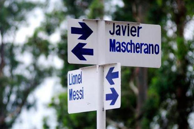 Un pueblo tucumano bautizó a sus calles con los nombres de los subcampeones del mundo: ¿por qué no está Lavezzi? - Lionel Messi - canchallena.com
