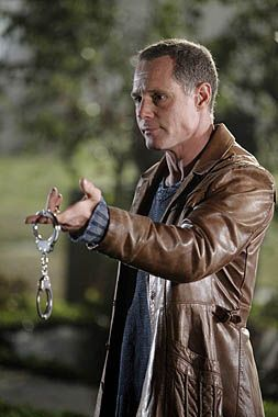 "Mike Royce: Vital Statistics: Gender:Male Status: Deceased  Cause of death:	Shot by Russell Ganz  Occupation:Former Bounty Hunter  Former Police and Training Officer Character Information Appearances	""Under the Gun""  ""To Love and Die in L.A."" Portrayed by: Jason Beghe"