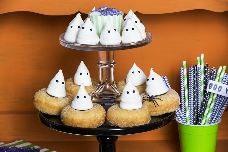 Hallowen sweets station Photo: Emmy Etie Photography www.emmyetie.com Concept and styling: Merveille https://www.facebook.com/Merveille.french.eventstyling/?fref=ts