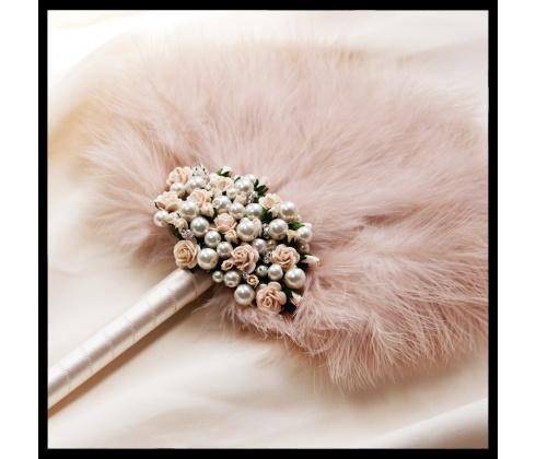 Dahlia's Day - The Wedding Talk Blog for the Practical Bride: Feeling light and feathery