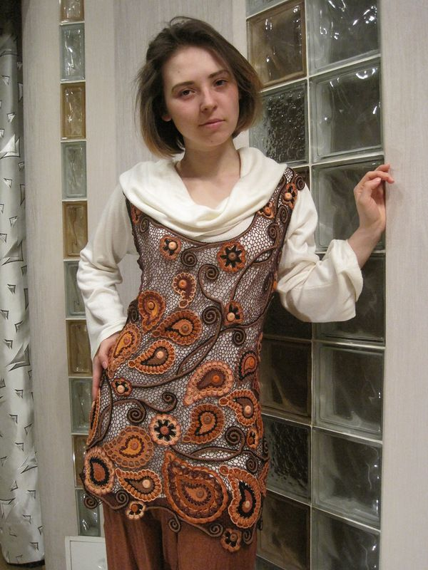 Another freeform masterwork by Alisca who started using the Irish lace technique in 2008.