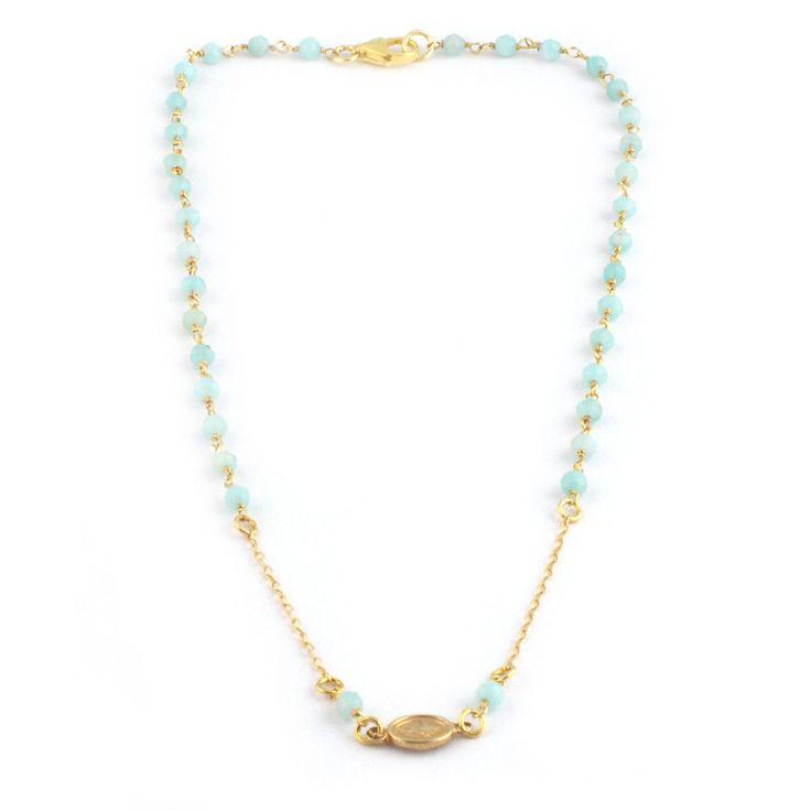 Gargantilla realizada con cadena rosario de piedras naturales y medalla de la virgen de la milagrosa. Largo aproximado 38cm