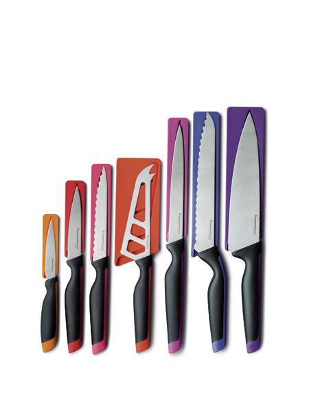 Offre Dites Oui!!! du mois d'août!!!  Obtenez tous ces couteaux pour seulement 19$!!  Demandez moi comment. :)