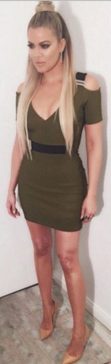 Who made Khloe Kardashian's nude pumps and green cut out dress?