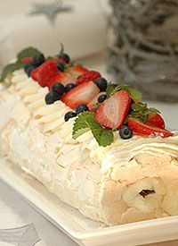 Pavlova Roulade with Summer Berries