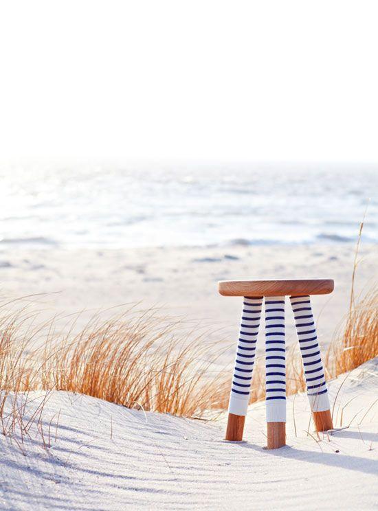 socked chair TheDesignerPad SWEET SUMMER stripes on the beach #essenzadiriviera - www.varaldocosmetica.it/en