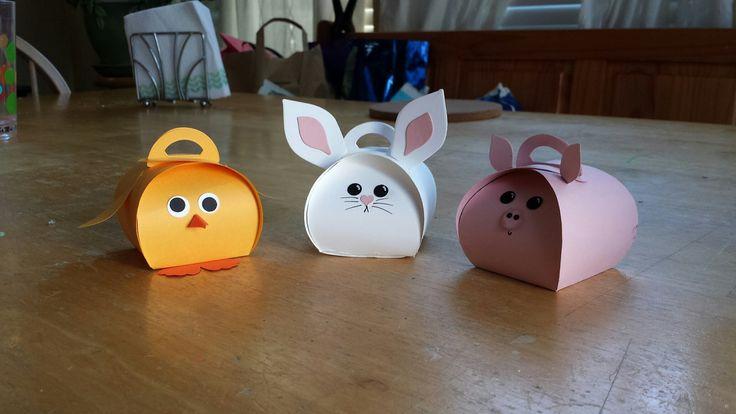 2015 Occasions Curvy Keepsake Bunny Treat Box