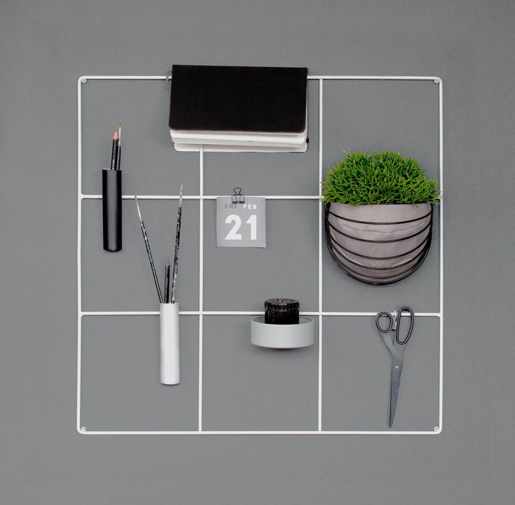 monochrome concrete office | Nordic workspace | grayscale work space | metal wire wall grid | black and white mesh memo board | 9 square grid bulletin board by wallment |wall basket | vertical gardening | plant wall | Finnish design object | smart storage | Scandi style #anslagstavla #homeoffice