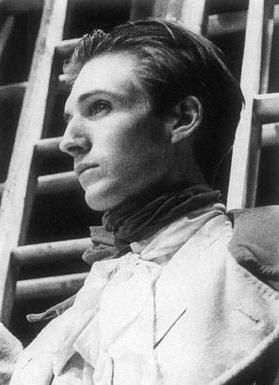 Young Fiennes. Ralph Fiennes.