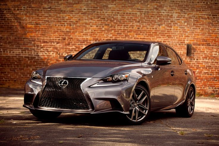 Lexus IS350 Is a Shot of Energy for Toyota's Luxury Division