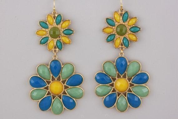 Sunny Day Beaded Earrings by ALLYandASHLEY on Etsy, $12.00Beads Earrings, Beaded Earrings, Sunny Day