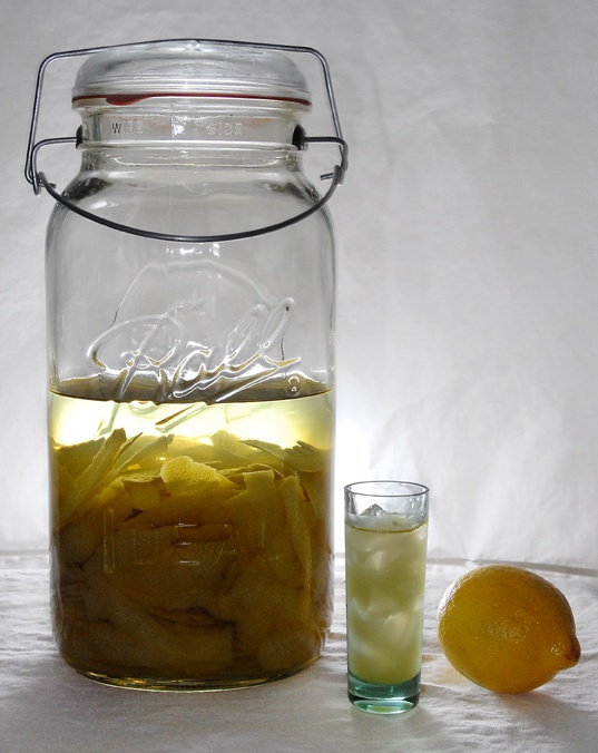 Limoncello - refreshing and I recently found out that it's great in desserts!Recipesfood Stuff, Homemade Lemoncello, Spirit Guide, Yum, Mmmmm Drinks, Limoncello Recipe, Homemade Limoncello, Food Drinks, Recipe Food Stuff