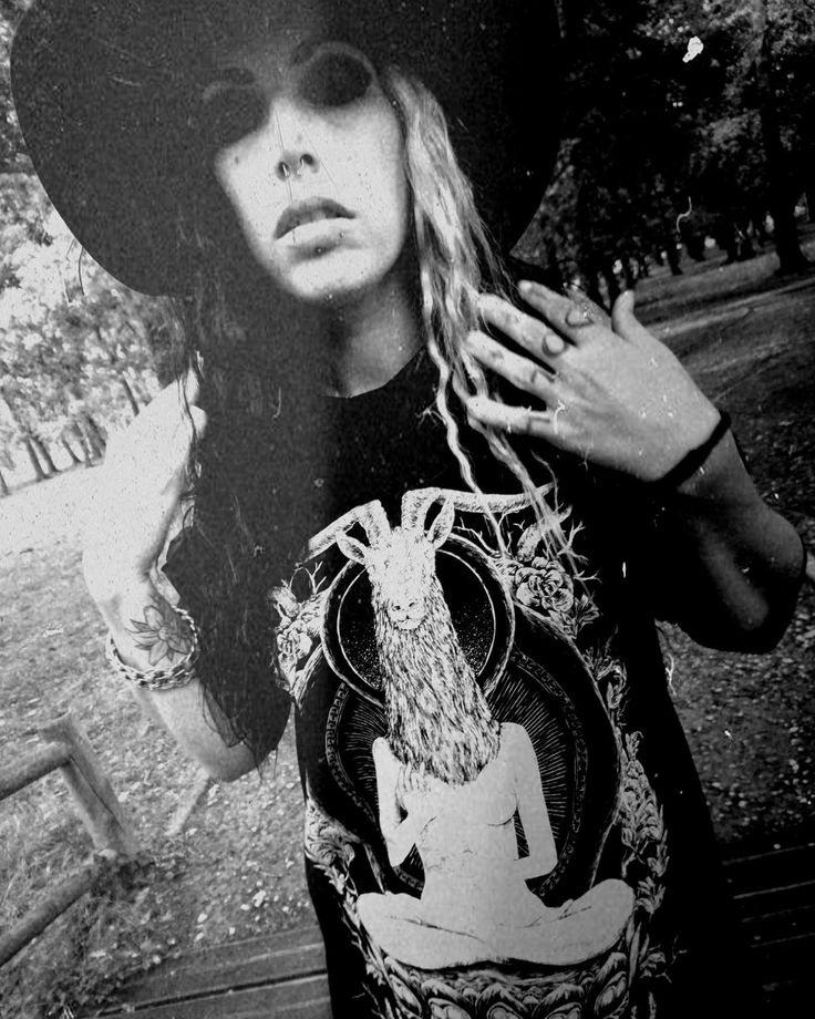 """Ave Jen Nyx of French dark rockers Volker looking 😈😈😈 while reppin our wears. """"Black Sunday"""" from the album """"Dead Doll"""" - out now! - https://youtu.be/R386TzDX_DY Not heard Volker yet?? Youtube subscribe to """"Volker Volker"""". Especially for fans of Satyricon, Carpathian Forest, Samael & Rotting Christ.... We fucking love it! 🖤🔥🖤 CRMC proudly sponsors Volker. www.crmcclothing.co 