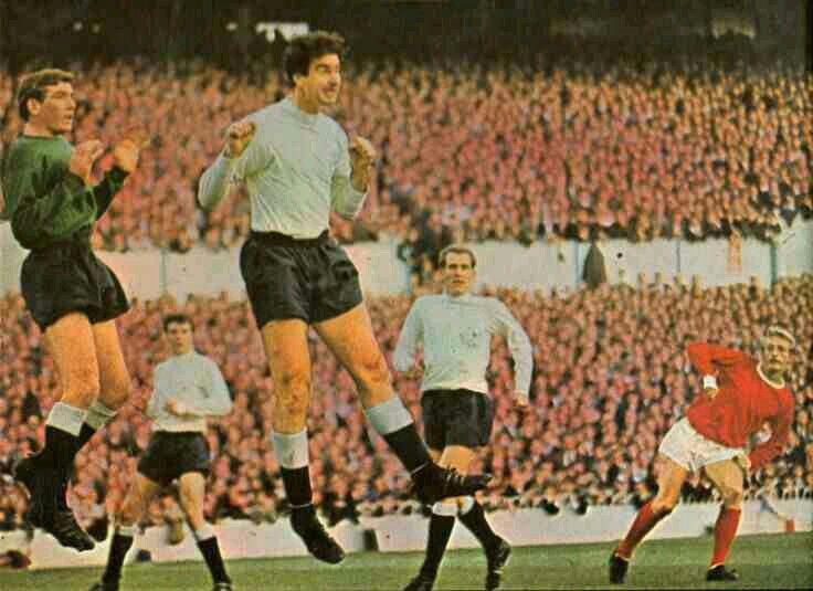 Tottenham 5 Man Utd 1 in Oct 1965 at White Hart Lane. Denis Law sends a cross over #Div1