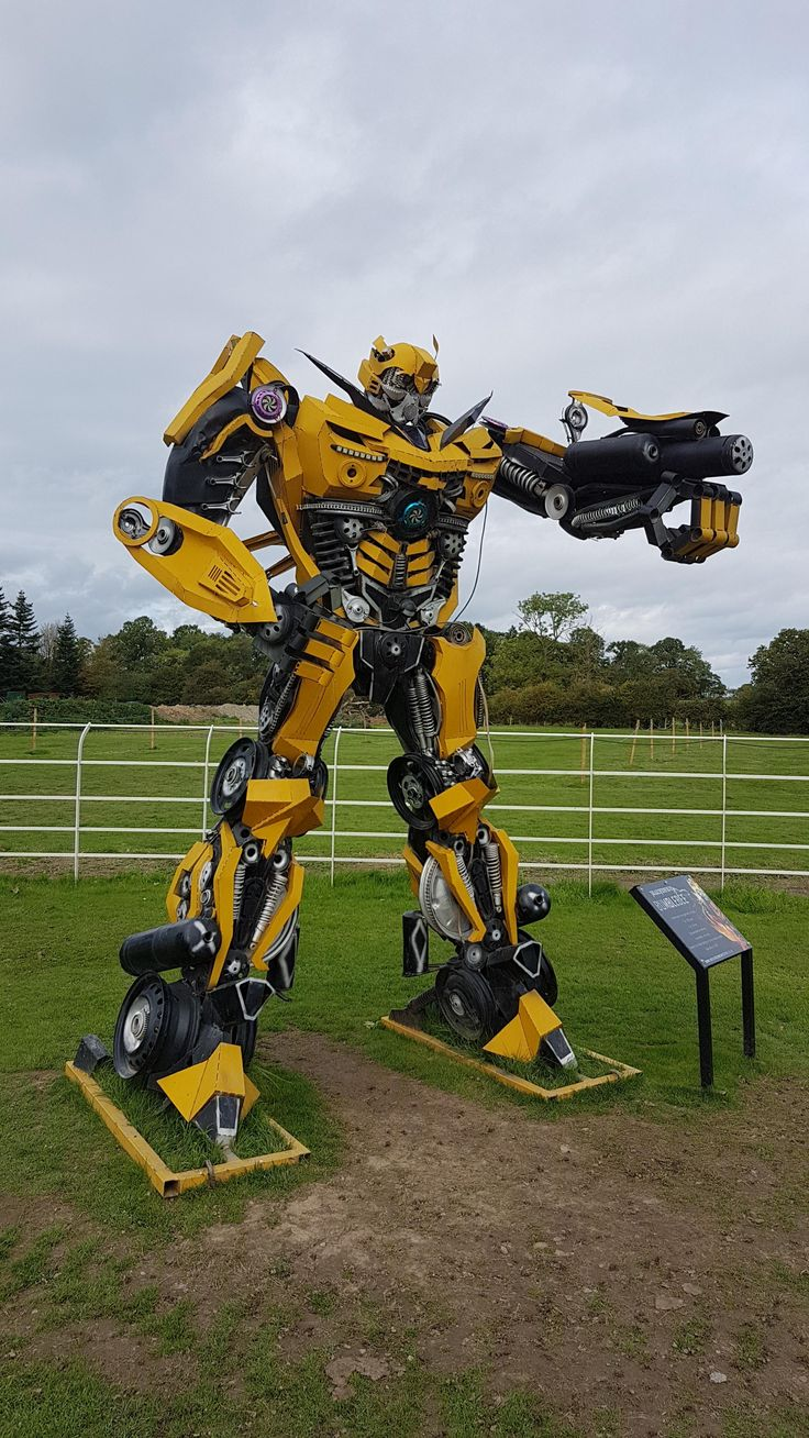 Bumblebee sculpture at the British Ironworks Centre - handmade from scrap car parts