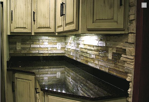 Beautiful Color Combo Black Granite Tumbled Stone Light
