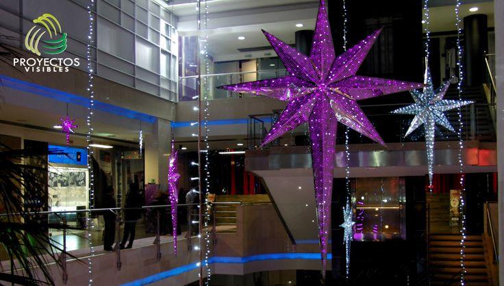Estrella de 8 puntas elaborada en aluminio con iluminación interior tipo mini light.
