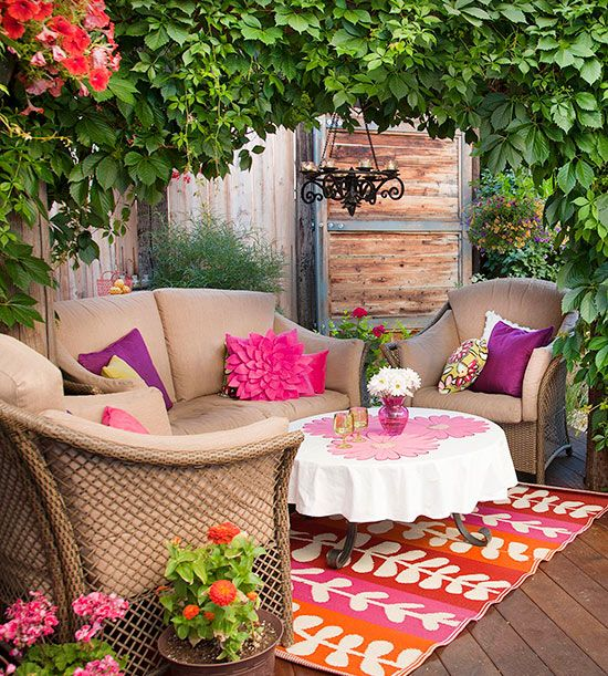 Pretty in pink! More outdoor makeovers: http://www.bhg.com/home-improvement/porch/outdoor-rooms/outdoor-fabrics-and-rooms/