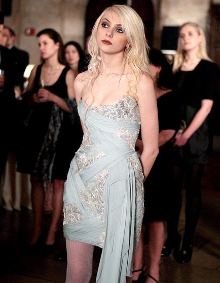"Season 3, Episode 20: ""It's a Dad, Dad, Dad World""  Jenny Humphrey (Taylor Momsen) conspired with Chuck Bass (Ed Westwick) while sporting a Marchesa dress, a Lia Sophia cuff and Ginette NY rings"