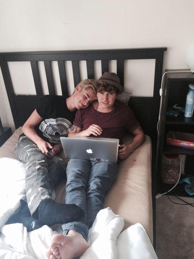 Awwww Jc Caylen & Kian Lawley They're not only best friends but so adorable.