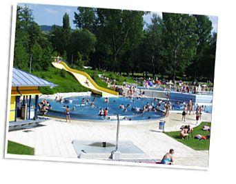 Camping Kirchzarten - Zwarte woud - Kirchzarten - mooie camping, leuk zwembad, dichtbij Freiburg, in mtb regio, ook vlakke fietsroutes in de dalen
