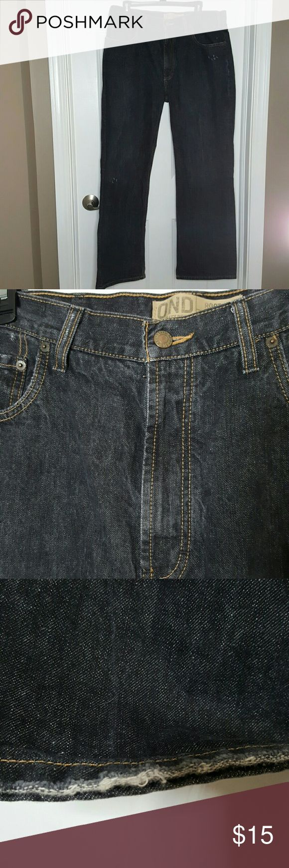 Old Navy Boot Cut Jeans sz. 36x32 Old Navy Boot Cut Jeans sz. 36x32 good condition. Slight fray on jean cuff. Old Navy Jeans