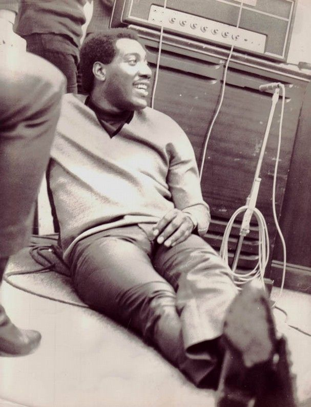 otis redding ~ to me Otis IS the Godfather/King (you name it) of Soul!! ...James Brown comes no where close to his talent, just so tragic that he died so young.