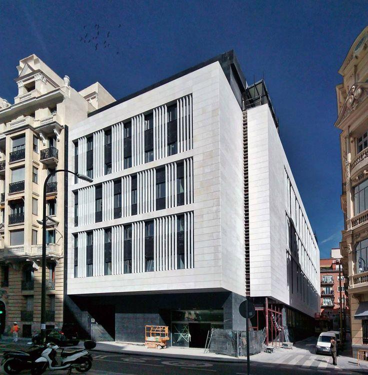 Edificio construido en la Calle de Mejia Lequerica nº 10 en Madrid por encargo del estudio de arquitectura: Laboratorio de Arquitectura.