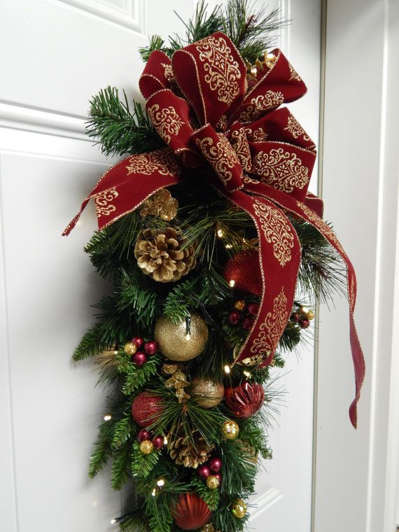 Christmas Wreath Burgundy Tear Drop Swag Timer by TylerInteriors