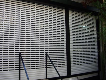 Instalamos y reparamos persianas, puertas y automatismos. cerrajerosdeburjasot.com