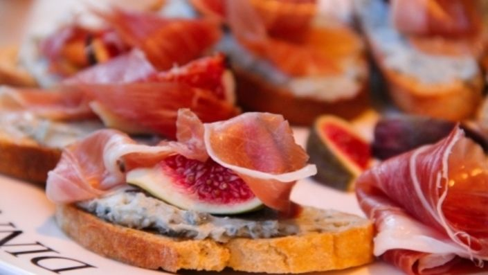 How to make the perfect Gorgonzola, Fig and Prosciutto di Parma Bruschetta by  on Food Network UK.